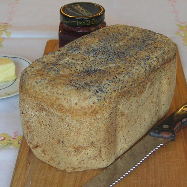 Chleb na zakwasie z automatu do pieczenia