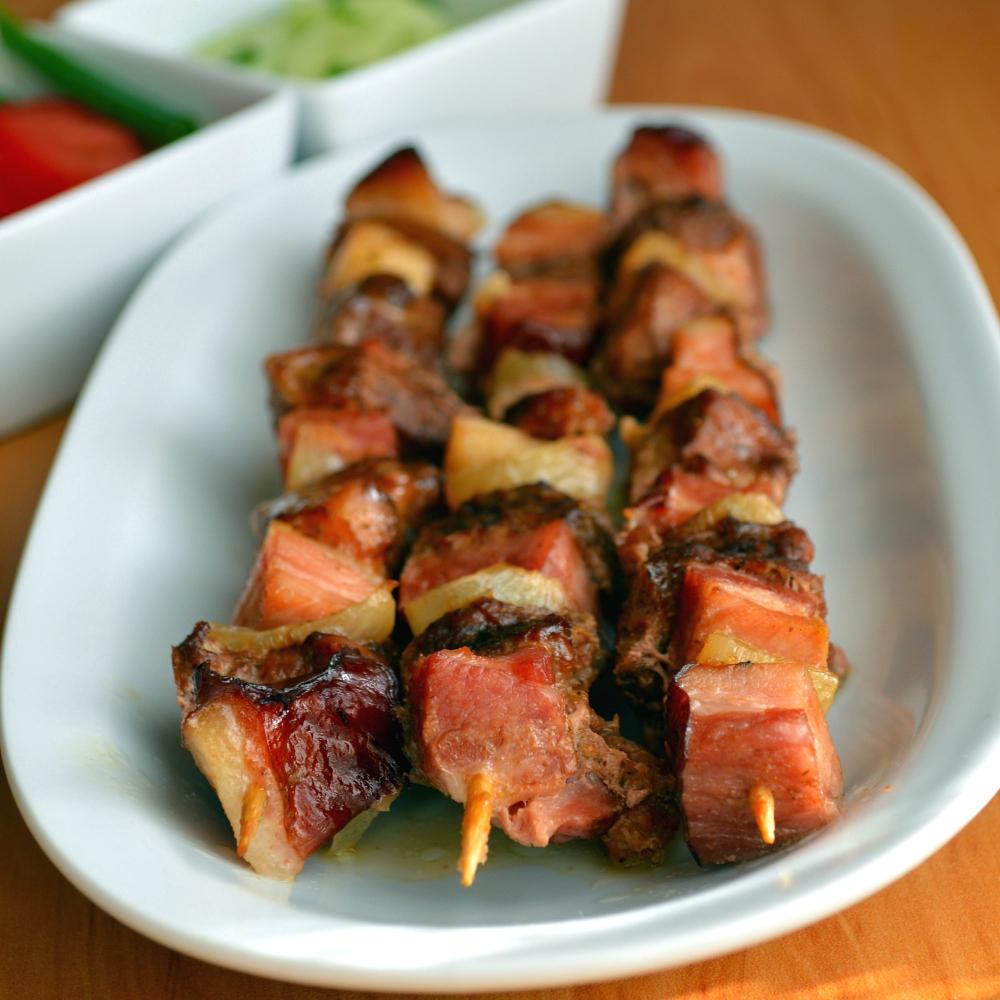 Szaszłyki z wieprzowiny w sosie sojowo-grzybowym