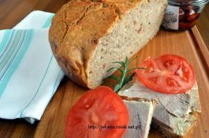 chleb_z_suszonymi_pomidorami